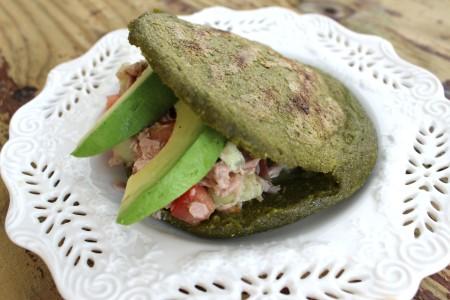 Arepa Fit de Espinaca, Kale (Col Rizada) y Cilantro | Mamá Contemporánea #arepasfit
