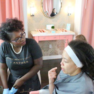 Blushington Makeup y Beauty Lounge en Dallas