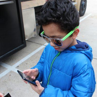 ¿Está tu Hijo Listo para Tener un Teléfono Celular?