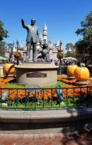 Celebra Halloween en Disneyland   Mamá Contemporánea